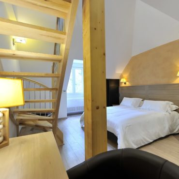 Séjour vallon du villaret - tourisme famille-lozère - hôtel les 2 rives