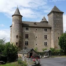 chateau de st saturnin tourisme lozere